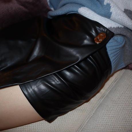 fake leather short pants