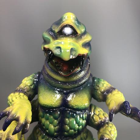 ザゴラ山中の怪獣(A)