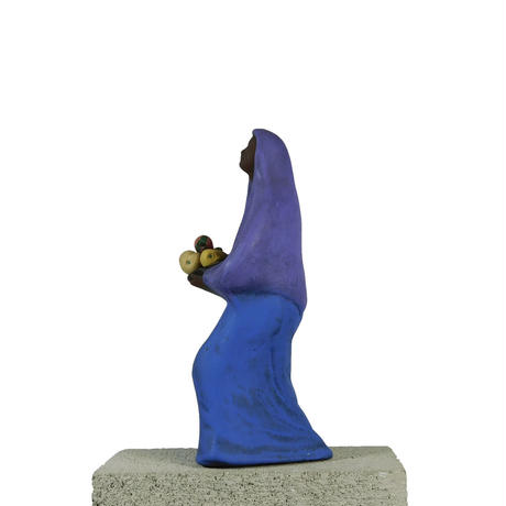 AFRICAN MOTHER STATUE