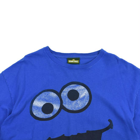 "USED ""SESAME STREET"" COOKIE MONSTER T-SHIRT"