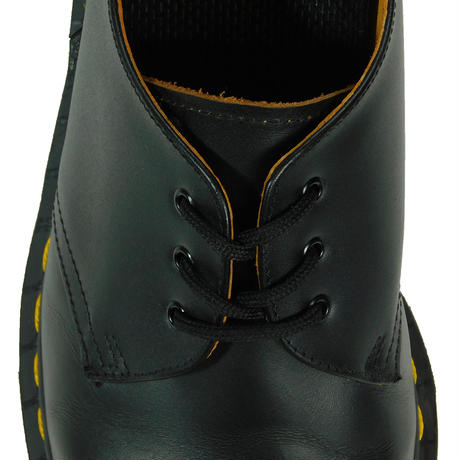 "USED ""DR. MARTENS"" 3HOLE"