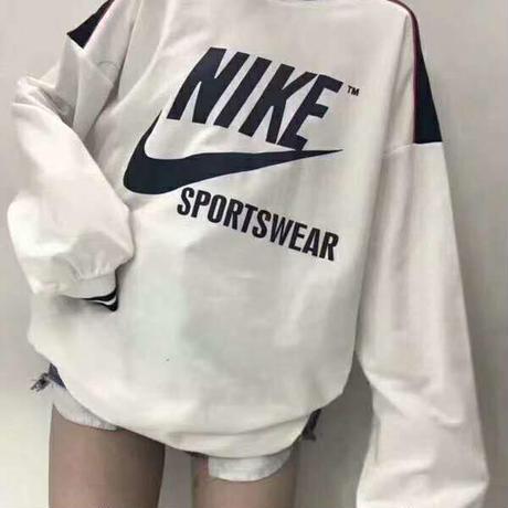 人気勧め新品 ナイキロングスウェット パーカー/トレーナー 長袖 Tシャツ 男女兼用
