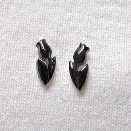 N-146 BUFFALO HORN   TULIP EARRINGS