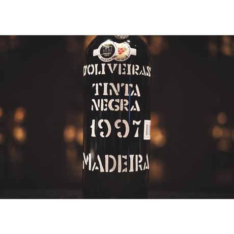 ドリヴェイラ マデイラ ティンタ・ネグラ 1997 (中甘口)