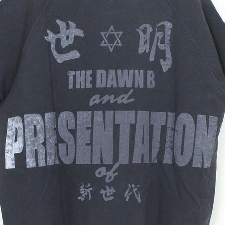 Auguste Presentation  × The Dawn B 夜明けの世明け 半袖 クルースウェット ホワイト  ブラック
