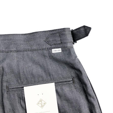 STABILIZER GNZ lot.0-39 pleated shorts