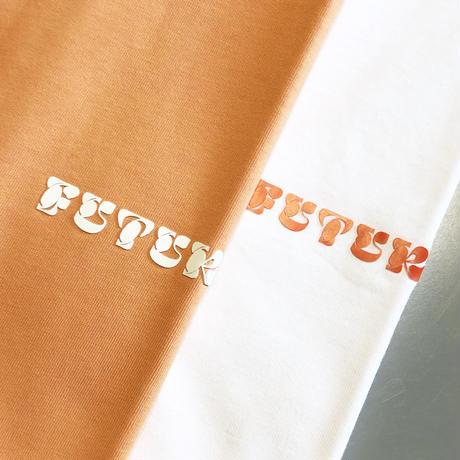 """FUTUR """"MW G Fit Script Tee"""""""