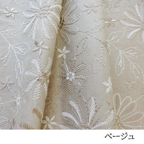 3色の糸使いの花柄刺繡MAT049