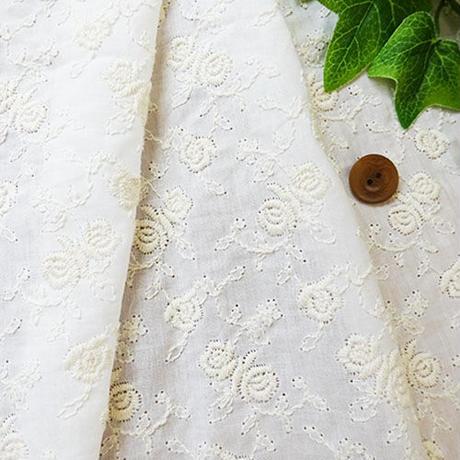 バラ柄刺しゅうMAT026