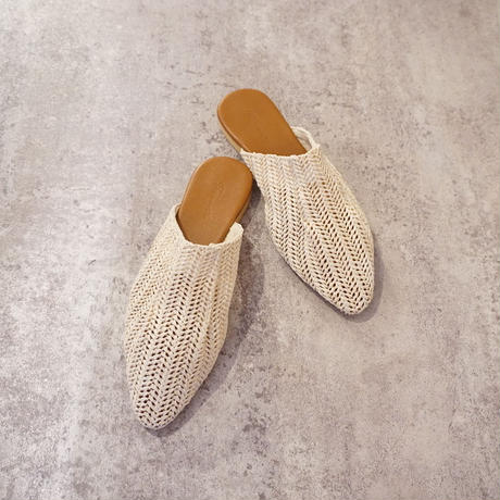 NATURAL STRAW SLIPPER