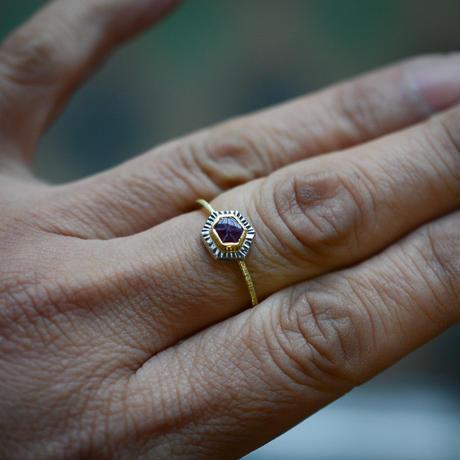 トラピッチェ・ルビーの指環