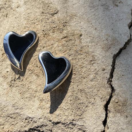 Onyx Solid Heart silver earring
