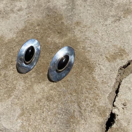 Oval Onyx Silver Pierce