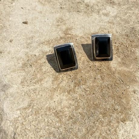 Black Onyx Rectangle silver pierce
