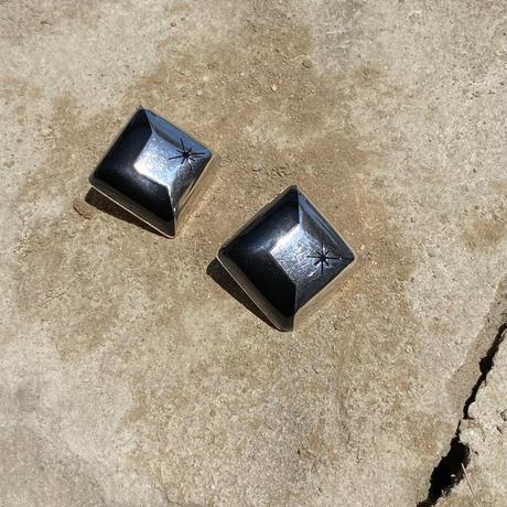 Sun Sculpture Square Onyx Earring