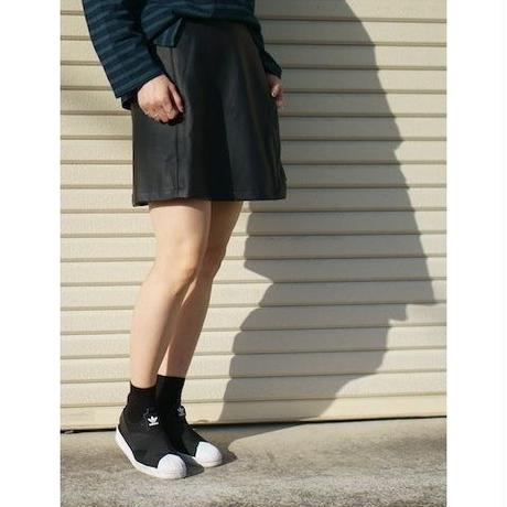 レザーライクラップスカート