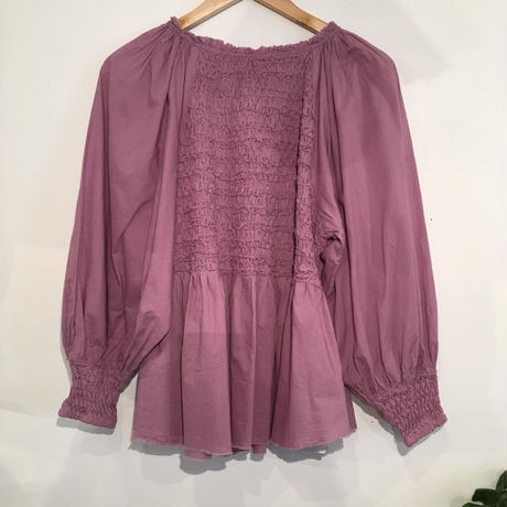 SMOCKING BK OPEN BLOUSE in Purple