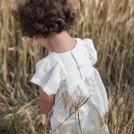 Nils / 手刺繍入りフリル袖ドレス