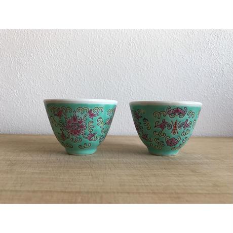 【香港☆中国景徳鎮】淡い色の素敵なティーカップ  / 2P=1組  レトロな茶器