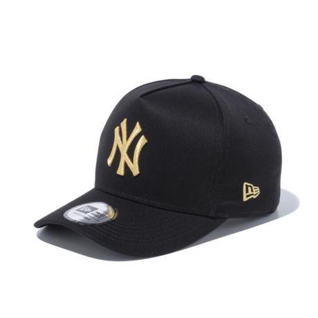 【NEWERA】9FORTY D-Frame ニューヨーク・ヤンキース ブラック × ゴールド