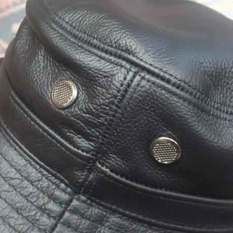 Nasngwam. 『LEATHER BUCKET HAT』