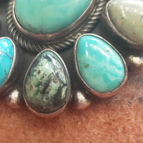 NAVAJO 『TURQUOISE NECKLACE (Paul Livingston)』