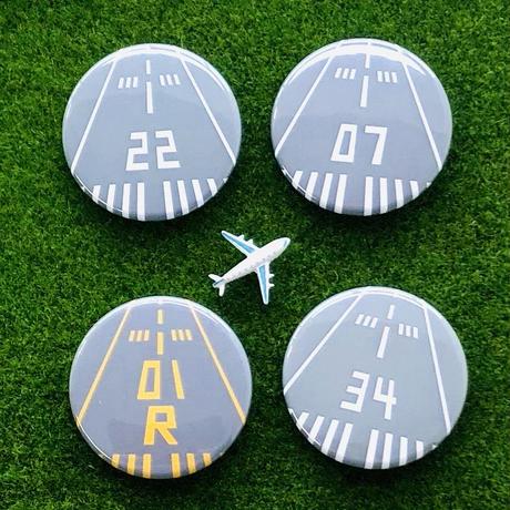 今日はどこから飛ぶ?✨全40種類!Runway缶バッジ2個セット✈️✨