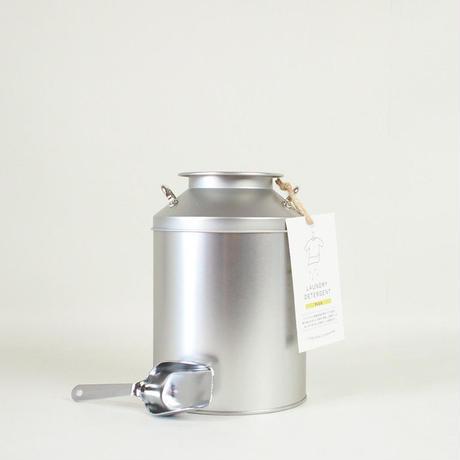 とみおかクリーニング オリジナル洗濯洗剤プラス(ミルク缶入り)※ステンレス計量スプーンは付属しておりません。