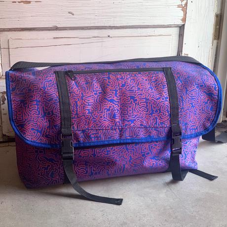 "Keith Haring ""POP SHOP"" Messenger type bag"