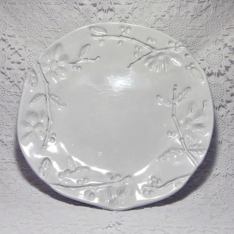 【イタリア陶器】ラ・セラミカ フラワープレートS【ハンドメイドならではの不揃いな形。重ねたときの凸凹が可愛いです🖤】