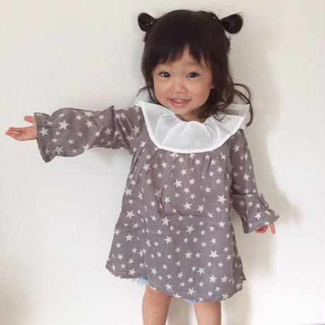 kids☻襟元が可愛い★星柄デザインチュニック【グレー】