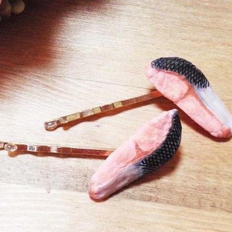 焼き鮭ヘアピン2個セット★ゴールド★リアルフェイクデコ★