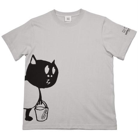 〔予約販売2021年5月下旬〜6月上旬発送予定〕河童の三平 バケツ持ちたぬき T-Shirts(特製タグ付) Color ライトグレー