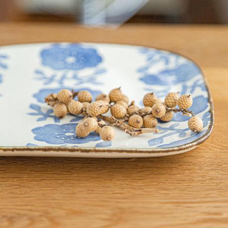 かとうようこ 陶作品「四方皿・ばら」