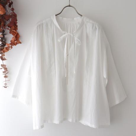 the last flower of the afternoon ザ ラスト フラワー オブ ジ アフタヌーン | 追懐のsmock blouse | ホワイト