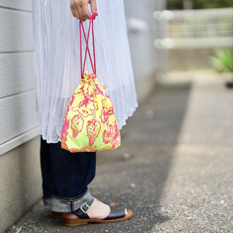【MIKAMI】ナイロン 巾着バッグ Z052 ホワイト&ゴールド