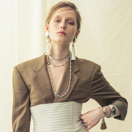 Weaving short necklace