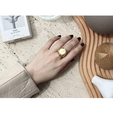 Exclusive coin ring
