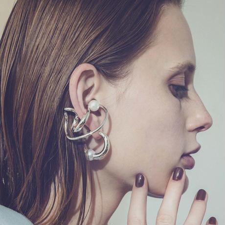 Neo coil pearl earcuff ring