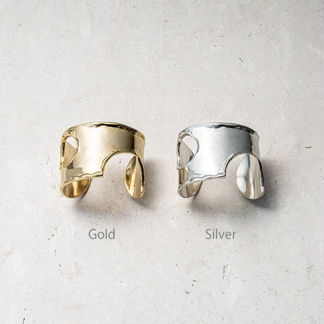 Moon surface bangle (one color)