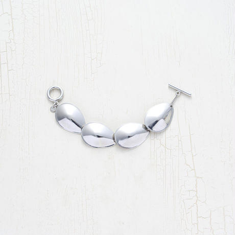 Large motif bracelet
