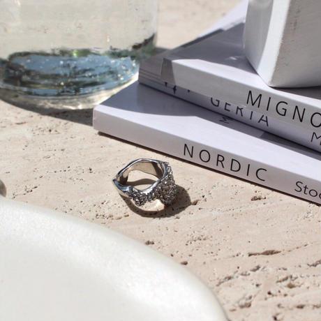 Female shine ring