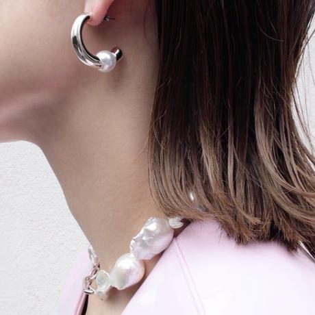 Horn pearl curve pierce (2P)
