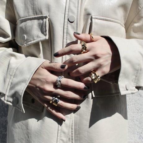 Drape pinky ring
