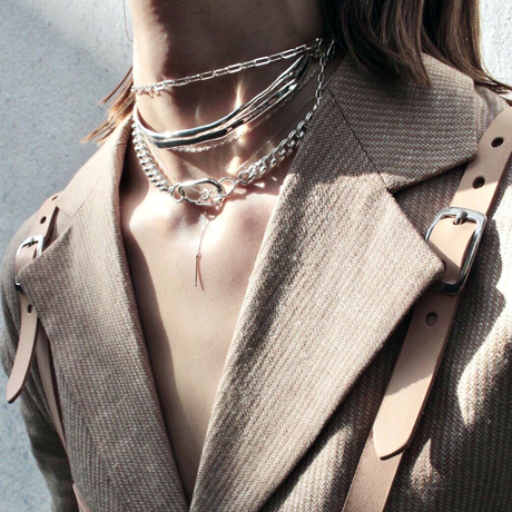 Literal choker (one color)