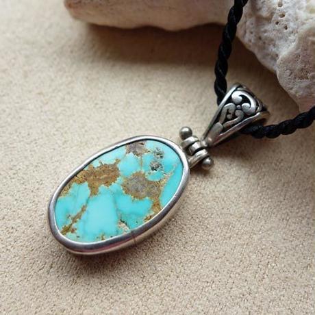 tura008   ★1点もののイラン産天然アンティークトルコ石シルバーネックレス