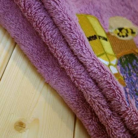 pv-towel030 ★機能性、デザイン性抜群!プロヴァンスの豊かな自然をモチーフにした円形タオル(せみとオリーブ)