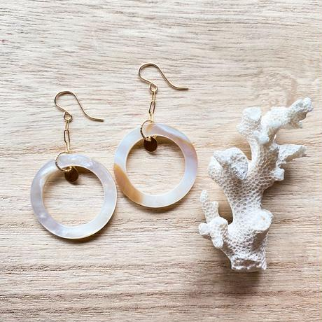 14KGF White Natural Brown Shell & Gold Disk Swing Earrings