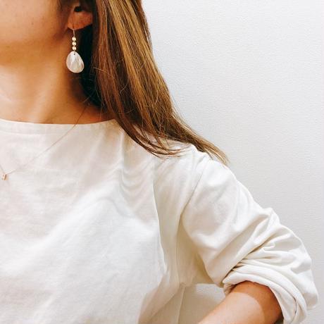 14KGF Shinny Pink Beige Shell Earrings -Small Size-