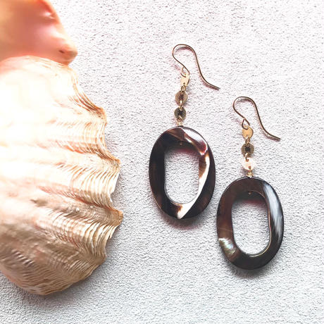 14KGF Oval Brown Shell Earrings